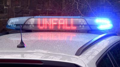 Bei einem Zugunglück in Niedersachsen ist ein Mann getötet worden.