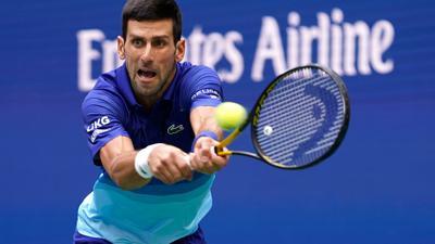 Beantwortet Fragen nach seinem Impfstatus nicht: Novak Djokovic in Aktion.