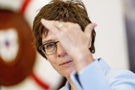 Bundesverteidigungsministerin Annegret Kramp-Karrenbauer treibt Pläne einer militärischen Eingreiftruppe auf EU-Ebene voran.