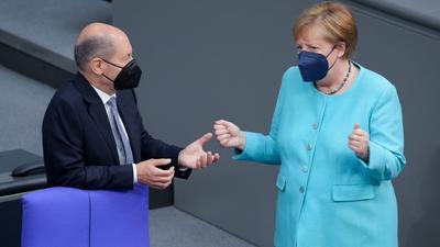 """Angela Merkel über Olaf Scholz: """"Ich hatte bei Herrn Scholz nicht immer den Eindruck, dass das Geld locker sitzt."""""""