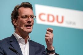 Mit der hauchdünnen Regierungsmehrheit könnte Hendrik Wüsts Wahl in dem Fünf-Parteien-Parlament durchaus zur Zitterpartie werden.
