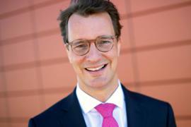 Der 46 Jahre alte Jurist HendrikWüst.