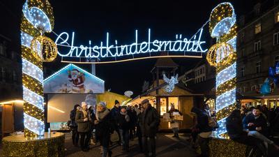 Weihnachtsmarkt Straßburg Lichterbogen