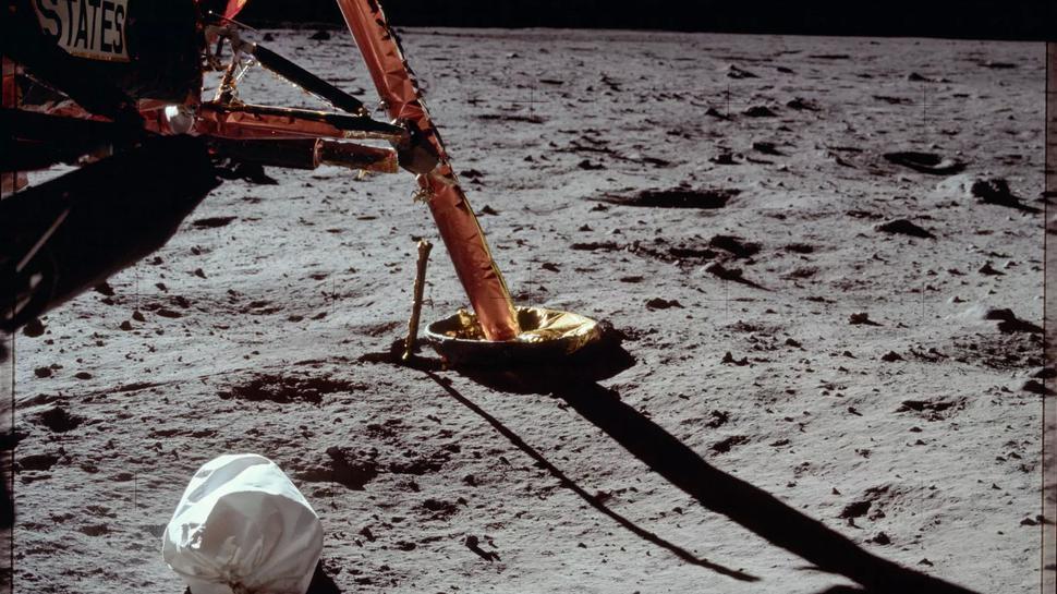 Müllbeutel der Apollo-Missionen. Der sogenannte Jettison Bag