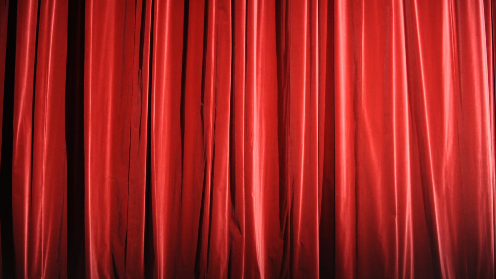 ARCHIV - 26.08.2009, Hamburg: Der rote Vorhang ist im Ernst Deutsch Theater geschlossen. In Hamburg-Barmbek werden am 13.09.2018 die Pläne für ein neues kulturelles Zentrum vorgestellt. Am Wiesendamm sollen das Junge Schauspielhaus, die Theaterakademie sowie das Institut für Kultur- und Medienmanagement der Hochschule für Musik und Theater künftig eine neue Heimat haben. (zu dpa «Pläne für kulturelles Zentrum in Hamburg-Barmbek werden vorgestellt») Foto: Marcus Brandt/dpa +++ dpa-Bildfunk +++   Verwendung weltweit