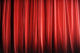 ARCHIV - 26.08.2009, Hamburg: Der rote Vorhang ist im Ernst Deutsch Theater geschlossen. In Hamburg-Barmbek werden am 13.09.2018 die Pläne für ein neues kulturelles Zentrum vorgestellt. Am Wiesendamm sollen das Junge Schauspielhaus, die Theaterakademie sowie das Institut für Kultur- und Medienmanagement der Hochschule für Musik und Theater künftig eine neue Heimat haben. (zu dpa «Pläne für kulturelles Zentrum in Hamburg-Barmbek werden vorgestellt») Foto: Marcus Brandt/dpa +++ dpa-Bildfunk +++ | Verwendung weltweit