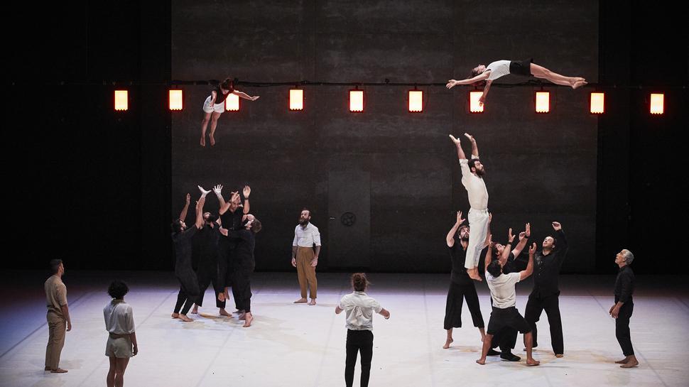 """Szene aus dem Stück """"Möbius"""" der Compagnie XY aus Frankreich fürs """"Atoll""""-Festival 2020."""
