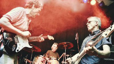 Die Band Kraan um Bassist Helmut Hattler.
