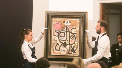 Ein Gemälde von Joan Miro wird von Sotheby's in London versteigert. Das Kunstwerk wird auf etwa 2,5 Millionen Pfund (2,8 Millionen Euro) geschätzt. +++ dpa-Bildfunk +++