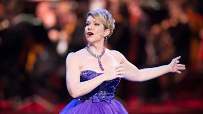 Die US-amerikanische Mezzosopranistin Joyce DiDonato steht am 29.01.2016 auf dem 11. Semperopernball in der Semperoper in Dresden (Sachsen) auf der Bühne.