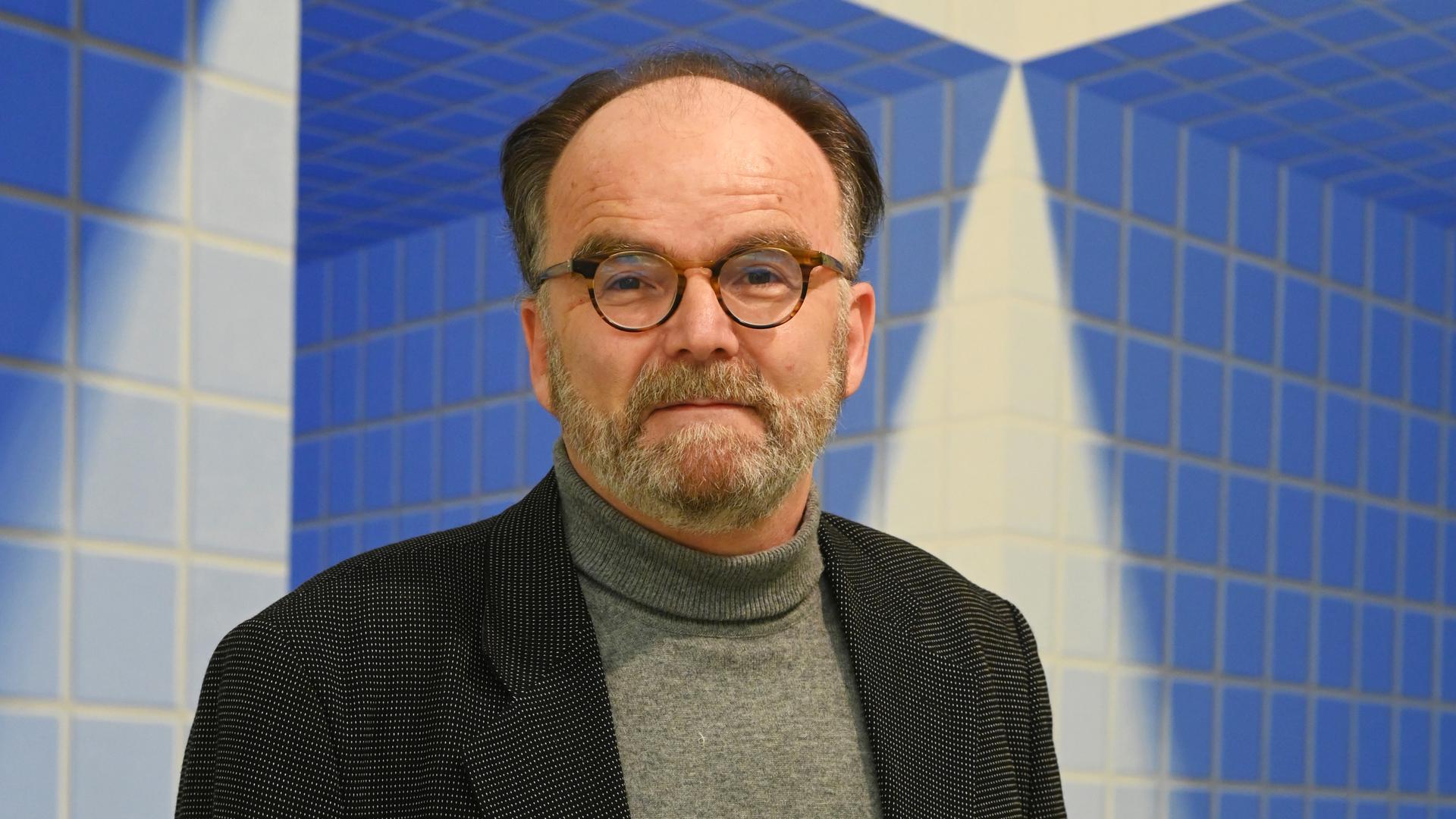 ©ARTIS-Uli Deck// 04.12.2020  Fruchthalle, Städtische Galerie, Rastatt, Peter Hank  -Copyright -ARTIS-ULI DECK Werrabronner Strasse 19  D-76229 KARLSRUHE TEL:  0049 (0) 721-84 38 77  FAX:  0049 (0) 721 84 38 93   Mobil: 0049 (0) 172 7292636 E-Mail:  deck@artis-foto.de www.artis-foto.de Veroeffentlichung nur gegen Honorar nach MFM zzgl. gesetzlicher. Mehrwertsteuer, kostenfreies Belegexemplar und Namensnennung: ARTIS-Uli Deck.  Es gelten meine AGB., abzurufen unter :    http://artis-foto.de/agb01_2008_DE.pdf