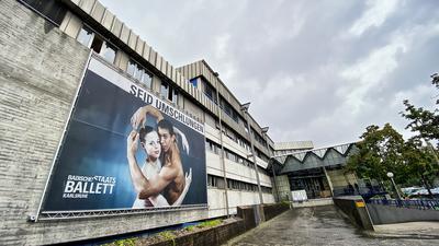 Das Badische Staatstheater kommt nach Vorwürfen wegen Machtmissbrauchs und sexueller Belästigung nicht zur Ruhe.