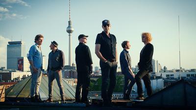 Die Band Fury in the Slaughterhouse hat nach 13 Jahren erstmals wieder ein Album veröffentlicht.