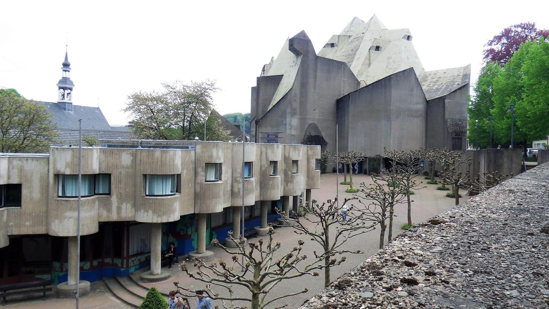 Sakrales Hauptwerk: Die Wallfahrtskirche in Neviges im Bergischen Land ist das herausragende Beispiel für den skulpturalen Stil des Architekten.