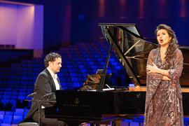 Sopranistin Olga Peteryatko und Pianist Matthias Samuil