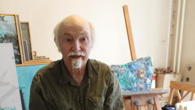 Maler Rolf Zimmermann in seinem Atelier