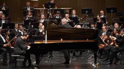 Ein Meister seines Fachs: Am russischstämmigen Pianisten Igor Levit liegt es nicht, dass es im Festspielhaus Baden-Baden anfangs noch etwas ruckelt.