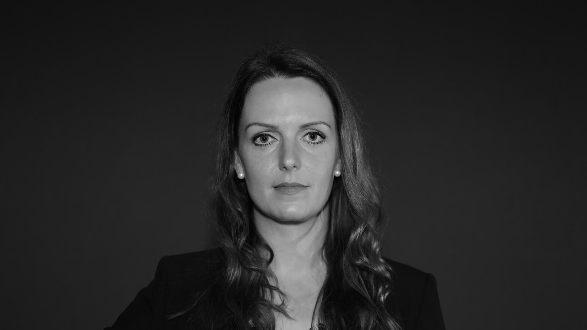 """Die Karlsruher Geigerin Anja Gerter bei der Aktion """"Kulturgesichter0721""""."""