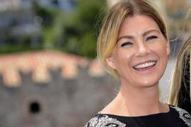 """Ellen Pompeo (Dr. Meredith Grey in """"Grey's Anatomy"""") ist die große Gewinnerin der """"People's Choice Awards""""."""