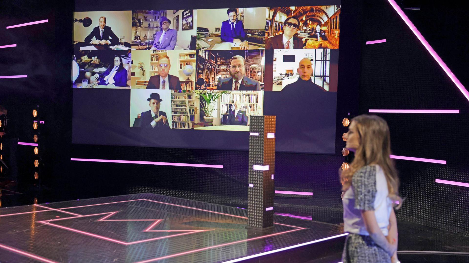 """Bei der Verleihung des Radiopreises """"1Live Krone"""" sind Mitglieder der Band Seeed zugeschaltet."""