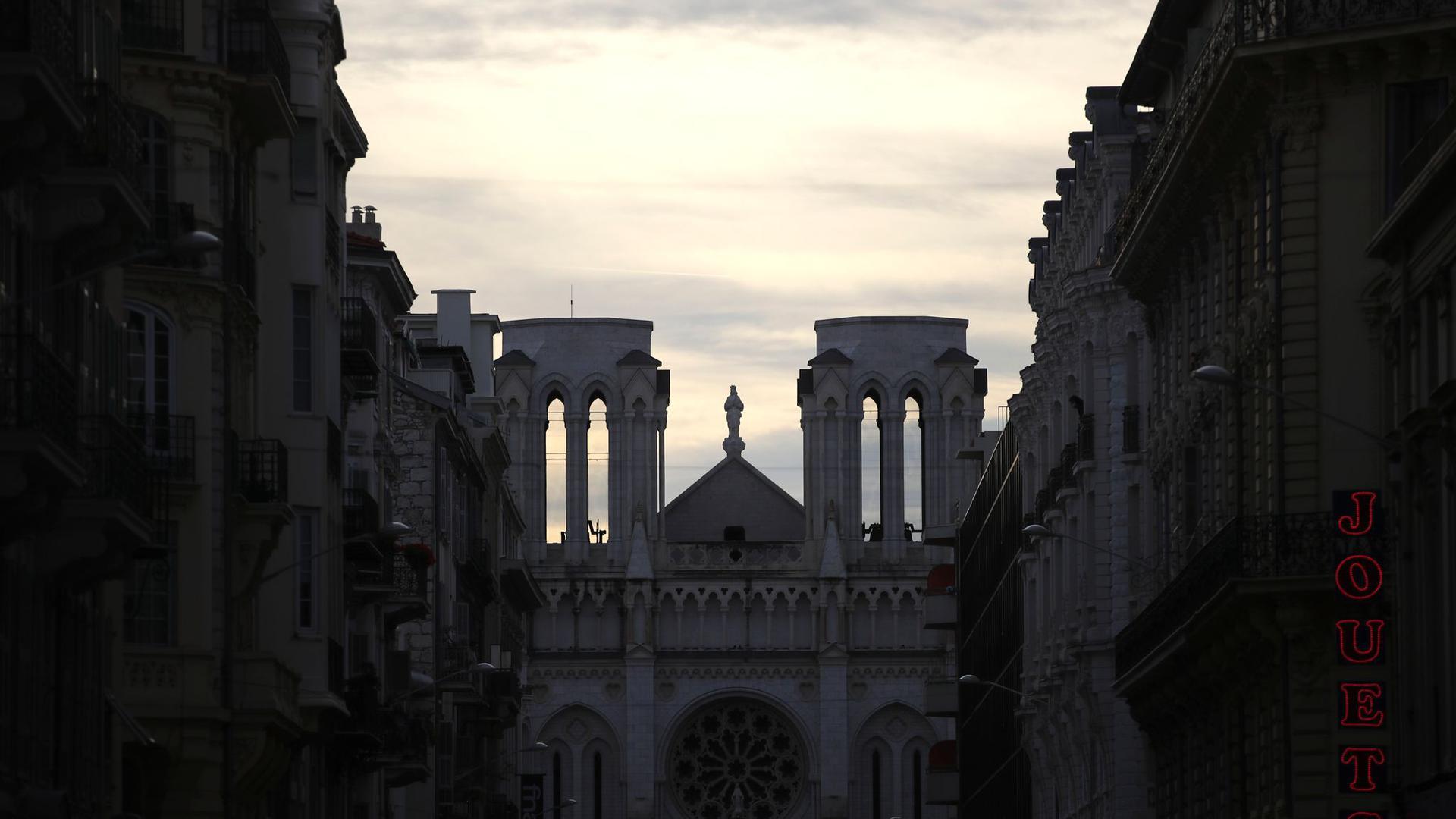 Der Chor von Notre-Dame wird an Heiligabend erstmals wieder ein Konzert in der schwer beschädigten Pariser Kathedrale geben.