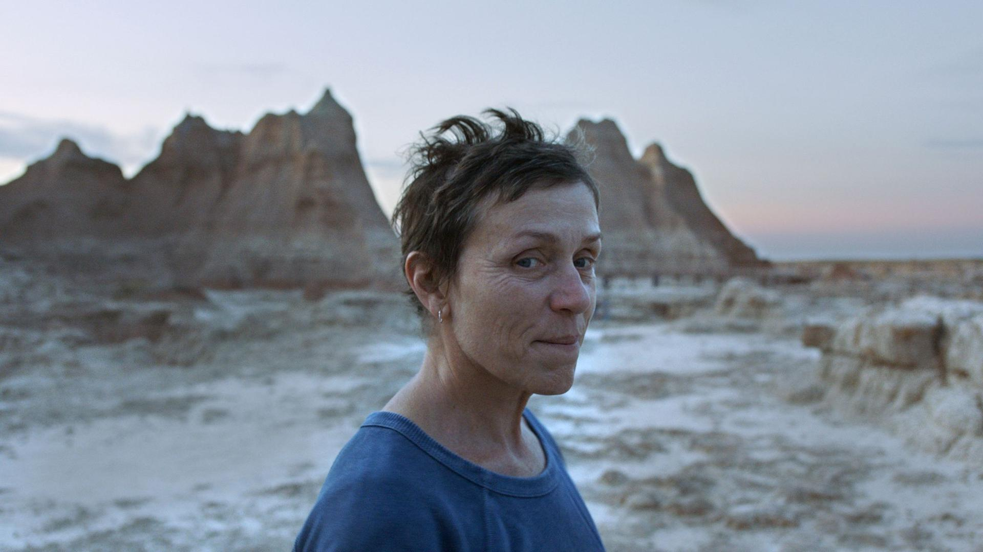"""Frances McDormand als Fern in einer Szene des Films """"Nomadland."""