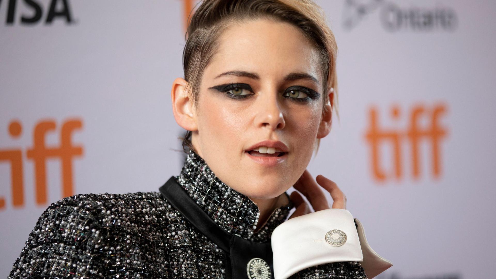 """Schauspielerin Kristen Stewart spielt in dem Film """"Spencer"""" die Hauptrolle."""