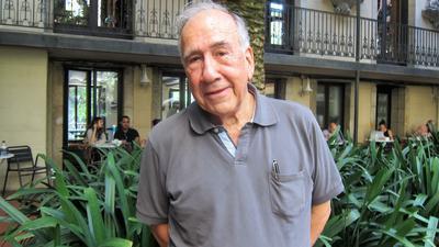 Der spanische Dichter und Architekt Joan Margarit ist mit 82 Jahren in seinem Haus in Sant Just Desvern bei Barcelona gestorben.