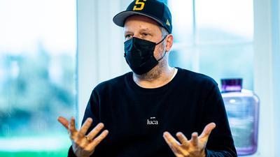 """Smudo, hier bei einer Pressekonferenz im Dezember, gehört in der zweiten Folge von """"The Masked Singer"""" zum Rateteam."""