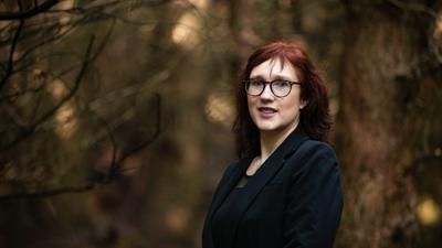 """In den Büchern der irischen Autorin Sam Blake (""""The Dark Room"""", """"Keep Your Eyes on Me"""") gibt es immer starke weibliche Charaktere."""