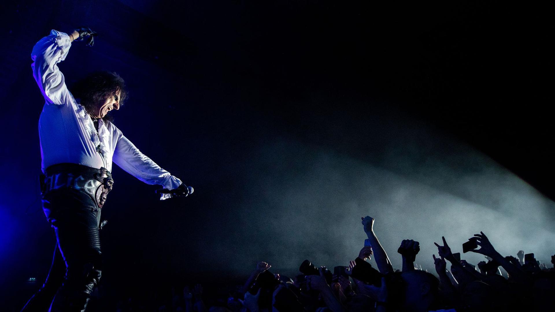 Alice Cooper:Rockmusik sollte gefährlich sein.