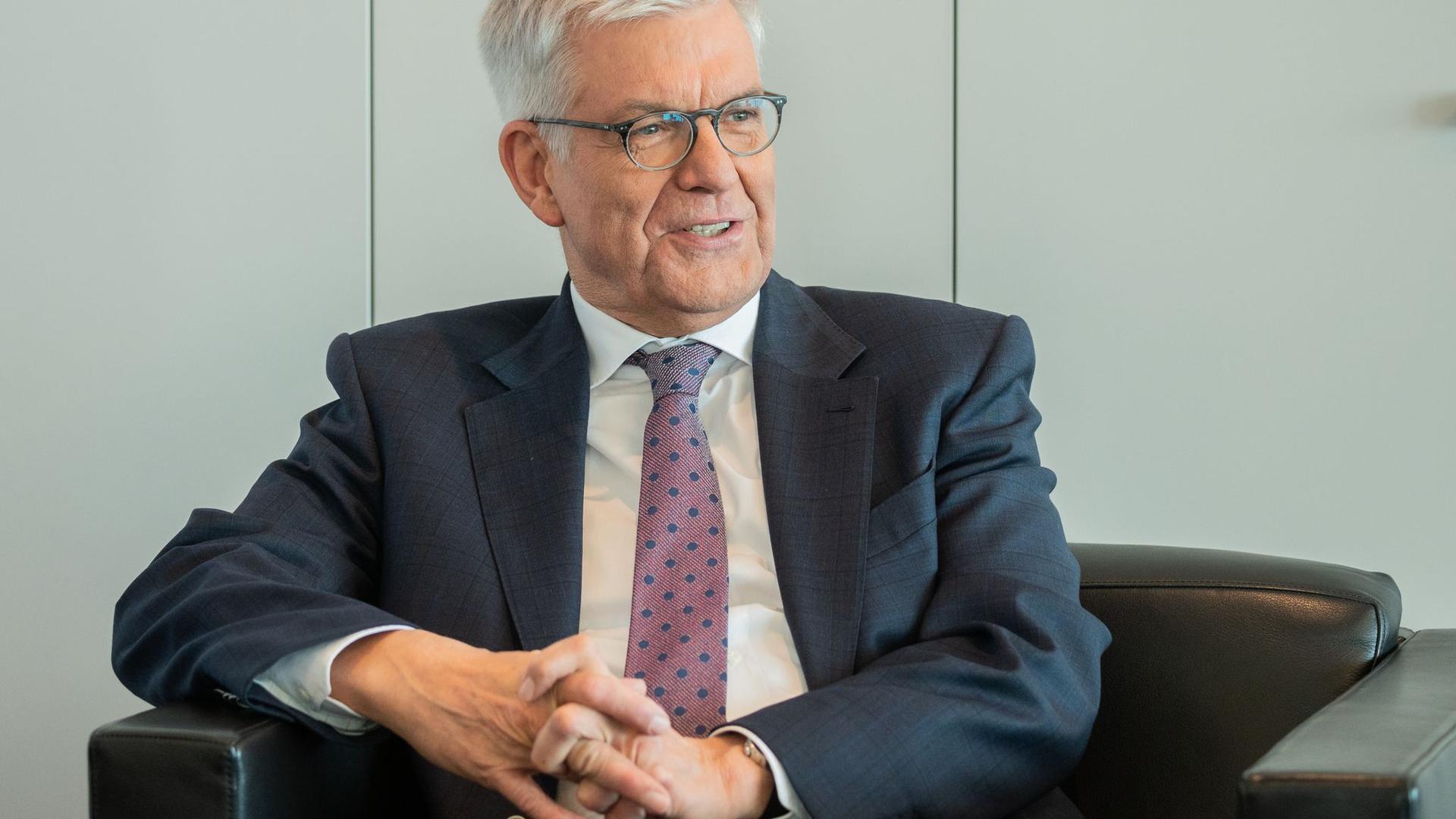 Thomas Bellut hält nichts von einer Vereinigung von öffentlich-rechtlichen Rundfunkanstalten in Deutschland.