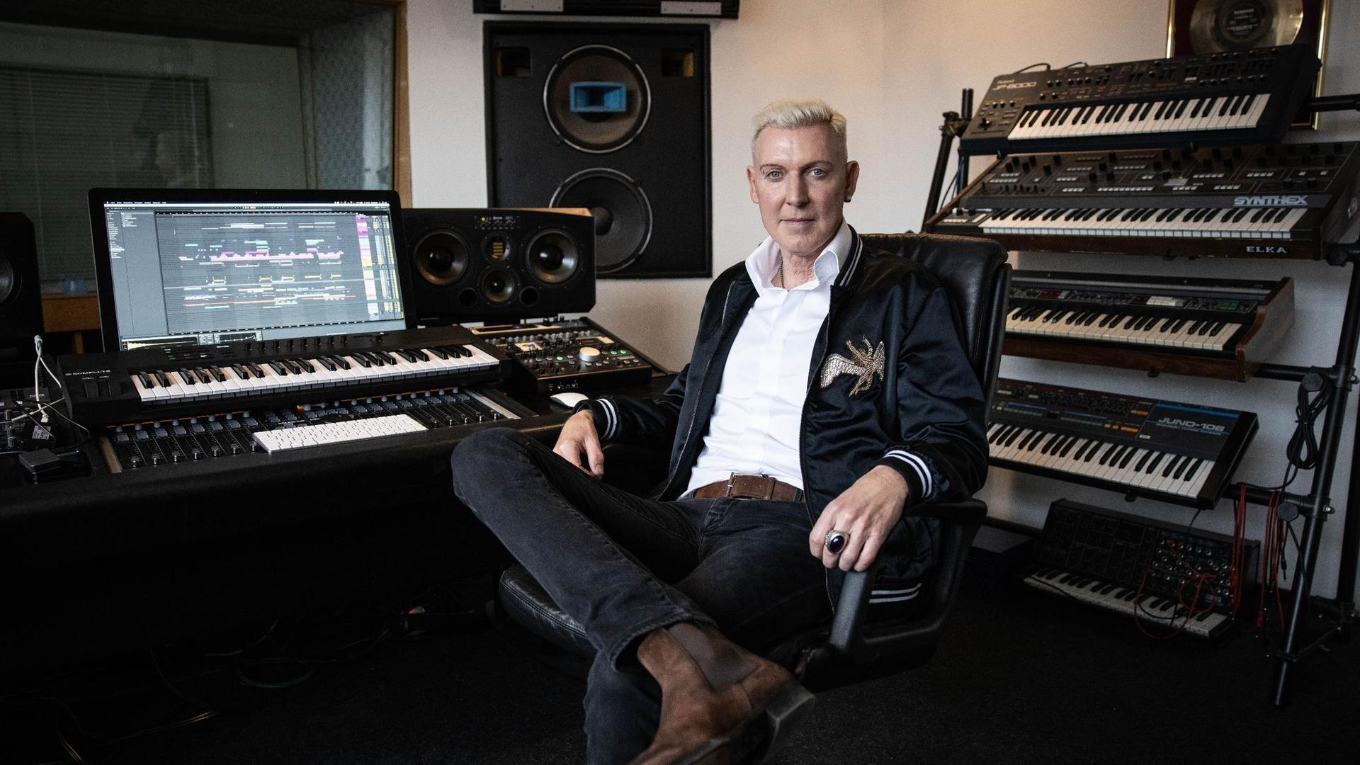 Scooter-Frontmann H.P. Baxxter in seinem Studio.