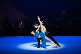 """Die Tänzer Anna Laudere und Edvin Revazov bei einer Fotoprobe des  """"""""Beethoven-Projekt II"""" von John Neumeier."""