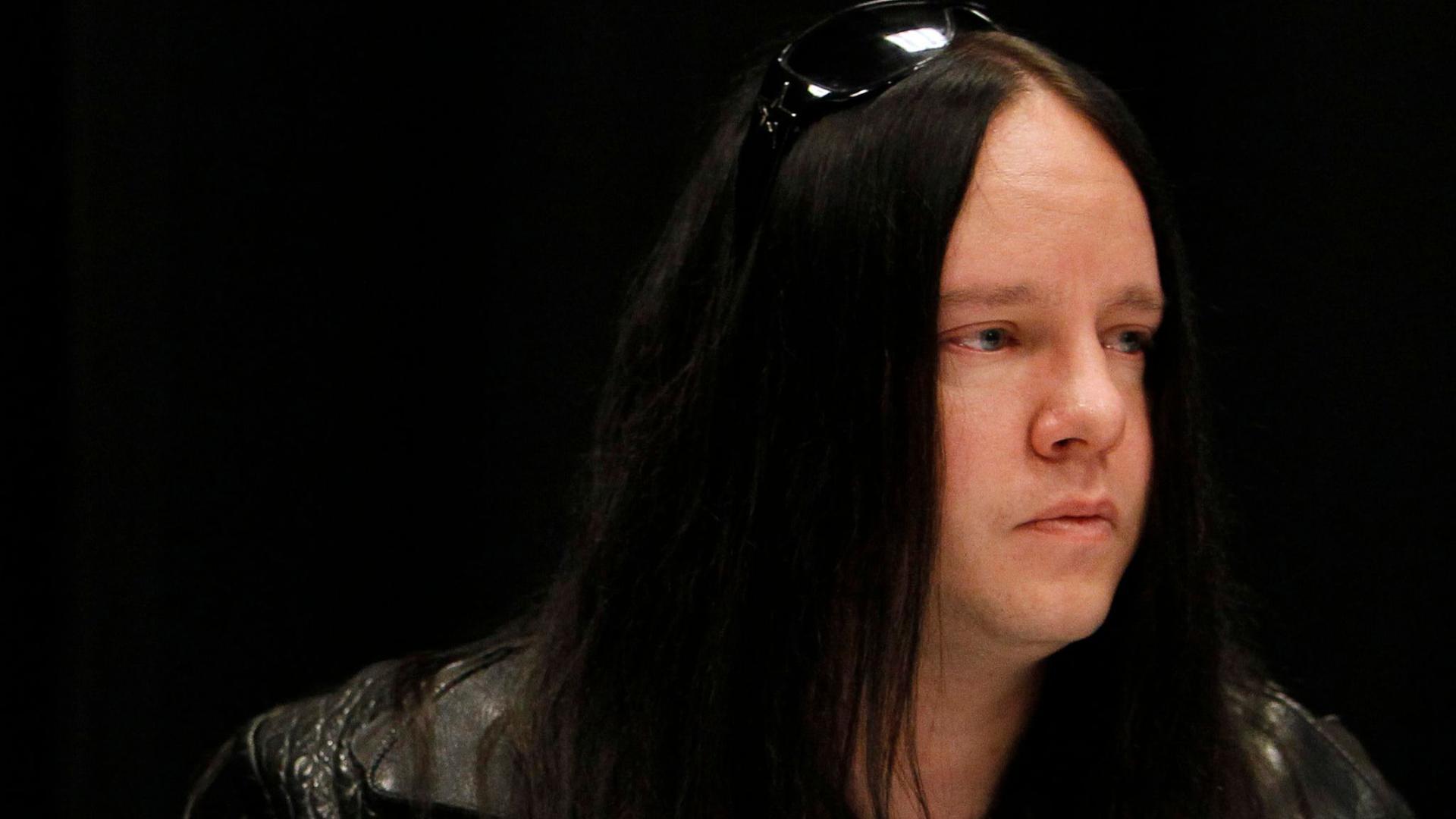 Joey Jordison 2010 in Des Moines.  Der ehemalige Schlagzeuger der Metal-Band Slipknot ist Medienberichten zufolge im Alter von 46 Jahren gestorben.