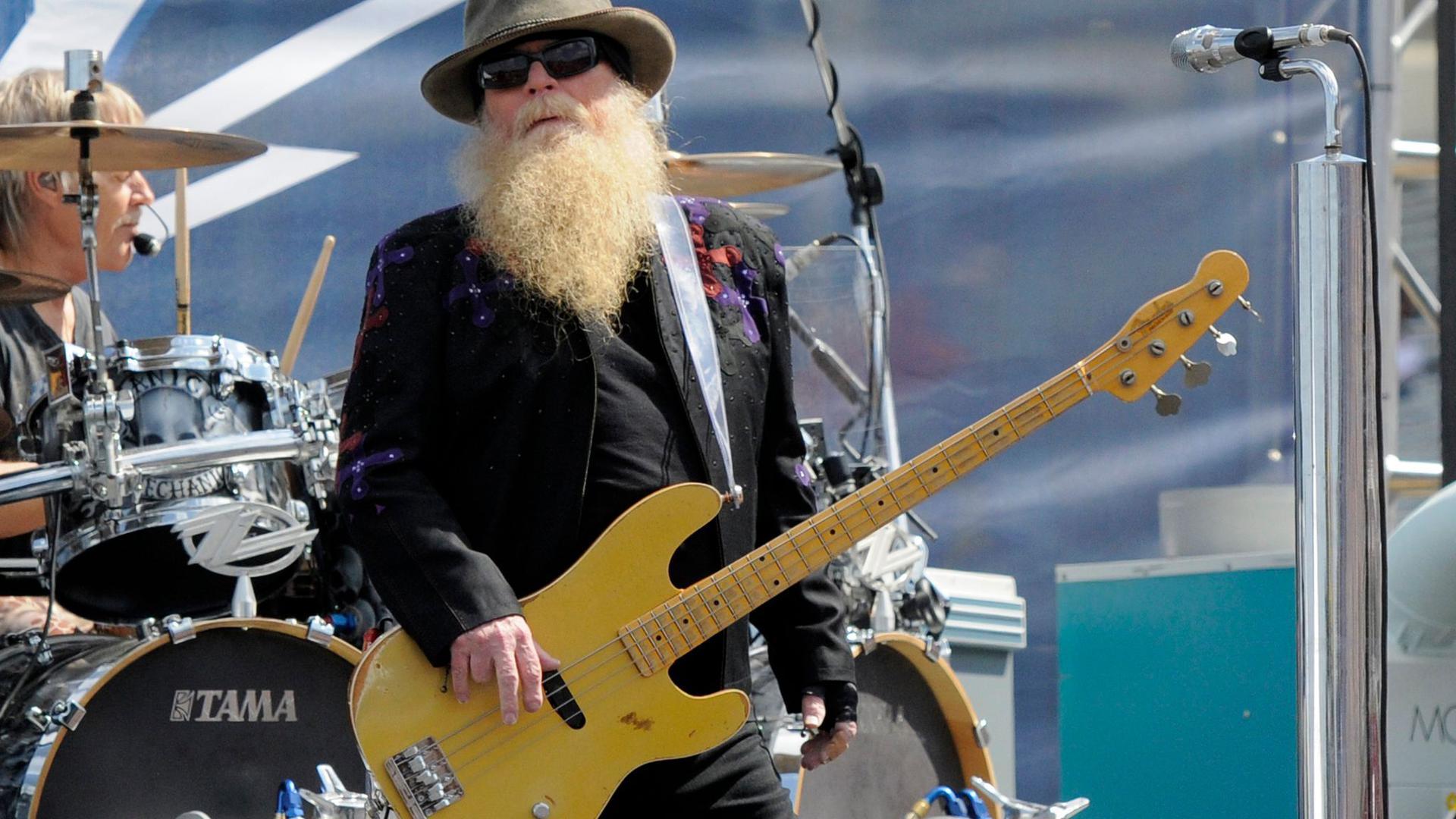 Bassist Dusty Hill ist im Alter von 72 Jahren gestorben.