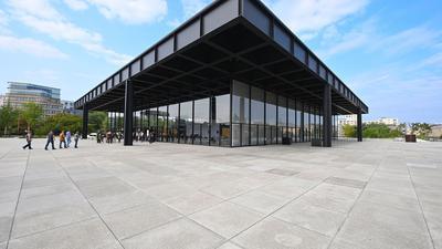 Die Neue Nationalgalerie, nach Plänen des Architekten Ludwig Mies van der Rohe erbaut und nun instandgesetzt.