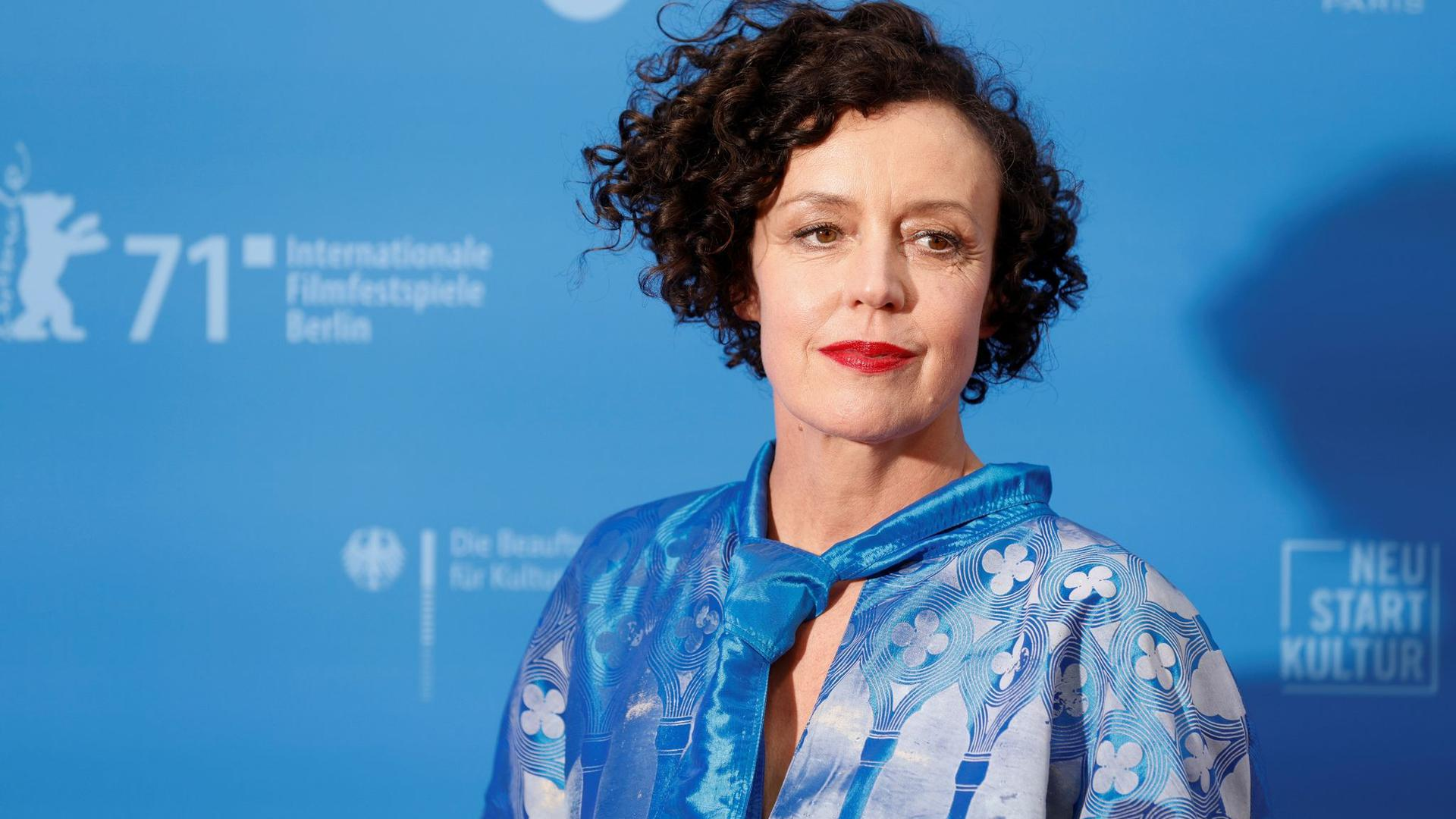 """Maria Schrader präsentiert ihren Film """"Ich bin dein Mensch"""" auf der Berlinale."""