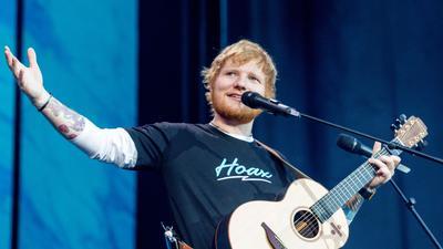 Der britische Singer-Songwriter Ed Sheeran hat sich für 2022 angekündigt.