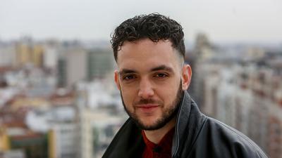 """Der Rapper C. Tangana hat in Spanien mit einem Musikvideo für einen """"Krieg"""" innerhalb der katholischen Kirche gesorgt."""