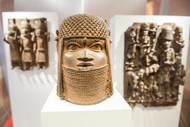 Benin-Bronzen im Hamburger Museum für Kunst und Gewerbe.