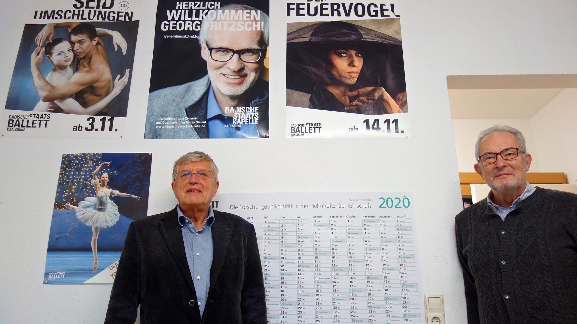ernd Axnick und Reinhard Rössler, Vorsitzende der Volksbühne Karlsruhe e.V., im Dezember 2020 Büro der Volksbühne (Schillerstraße 23).