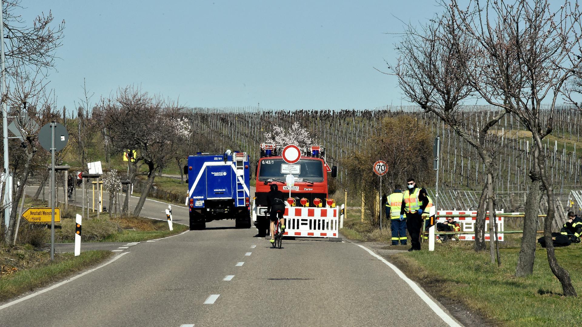 07.03.2021 Strassensperre Mandelblüte bei Neustadt/Gimmeldingen