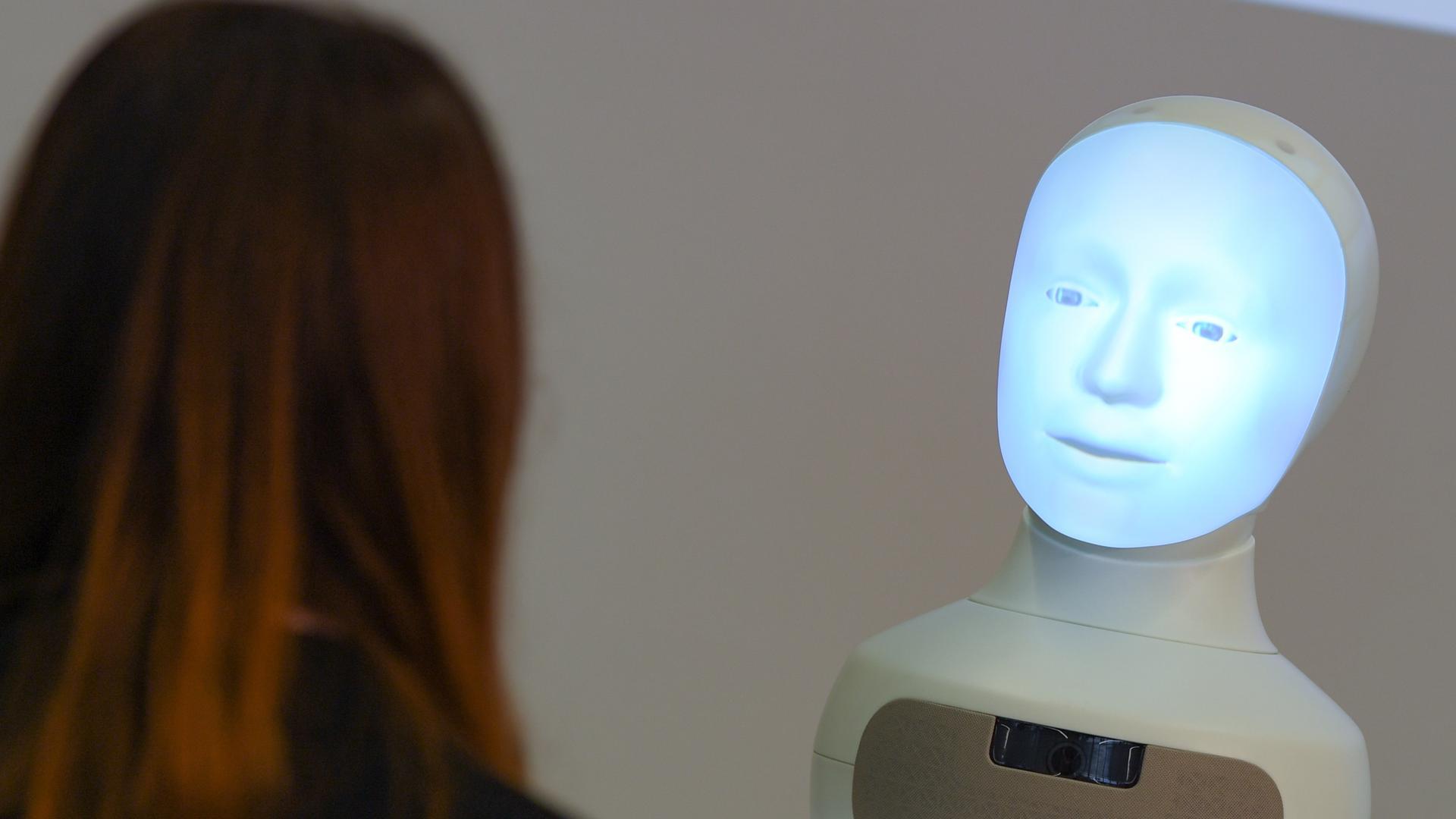 Kommen die Sprachassistenten der Zukunft aus dem Südwesten? In Baden-Württemberg soll ein Innovationspark für Künstliche Intelligenz (KI) entstehen.