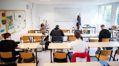 Besondere Regeln: Auf genügend Abstand wird auch in den Klassenräumen geachtet.