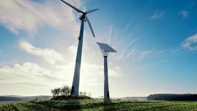 Die Zukunft gehört dem Wind: Alternative Energiequellen sollen zum Motor der klimafreundlichen Transformation des wirtschaftlichen Systems in Deutschland werden.