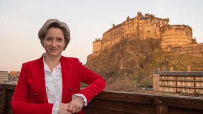 Neue wirtschaftliche Brücken über den Ärmelkanal: Landeswirtschaftsministerin Nicole Hoffmeister-Kraut (CDU), auf dem Bild bei einem Besuch in Edinburgh im September, will nach dem Brexit die Beziehungen zu Großbritannien ausbauen und sich dabei auf die Hochtechnologien konzentrieren.