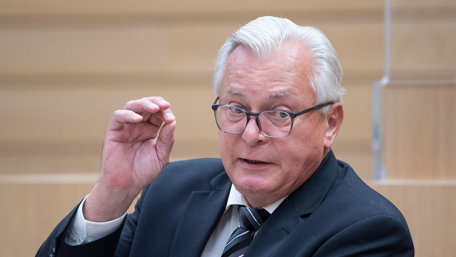 Bernd Gögel, AfD-Landtagsfraktionsvorsitzender, spricht während einer Landtagssitzung im Plenarsaal des Landtags von Baden-Württemberg.