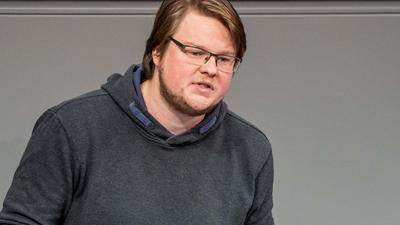 Aus der Traum: Der Karlsruher Abgeordnete Michel Brandt (Die Linke) scheidet nach nur einer Legislaturperiode aus dem Bundestag wieder aus, weil seine Partei bei der Wahl abgestürzt ist.