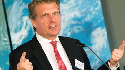 """Thomas Bareiß (CDU), Parlamentarischer Staatssekretär beim Bundesminister für Wirtschaft und Energie, spricht während der Eröffnung des neuen DLR-Instituts für vernetzte Energiesysteme. Der Tourismusbeauftragte der Bundesregierung, Thomas Bareiß, hat an Urlaubsrückkehrer aus Risikogebieten appelliert, sich auch wirklich auf das Coronavirus testen zu lassen. (zu dpa """"Tourismusbeauftragter: Reisen darf nicht zur Gefahr werden """") +++ dpa-Bildfunk +++"""